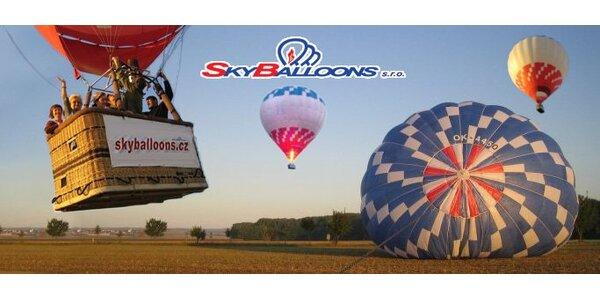 2890 Kč za vyhlídkový let balonem pro jednu osobu v hodnotě 4900 Kč.