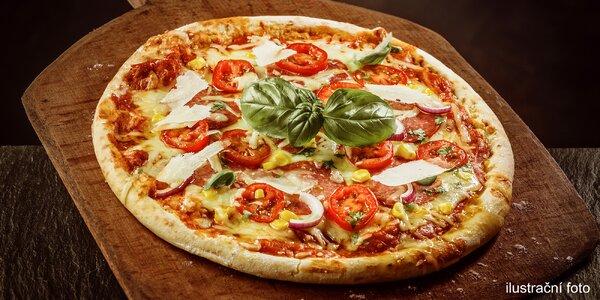 Pizza nebo Caesar salát v restauraci Ratejna