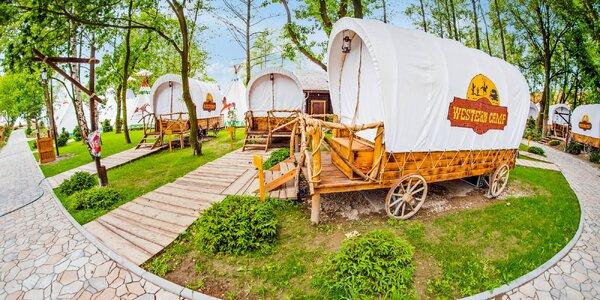 Ubytování s polopenzí ve stylovém westernovém voze
