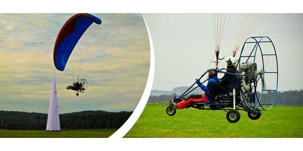 Let na motorové padákové tříkolce s pilotem