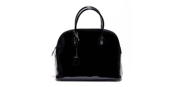 Dámská černá lakovaná kabelka Carla Ferreri