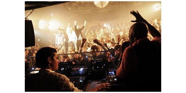 2 vstupenky za 300 Kč na párty This Is My House, Mecca Praha 2.4.2011