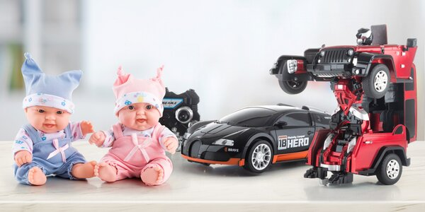 Dárky pro holky i kluky: panenky i robotická auta
