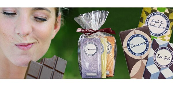 Tři tabulky vynikající čokolády Rococo, hořké nebo hořko-mléčné