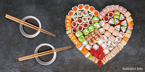 Sushi set ve tvaru srdce i set pro vegetariány