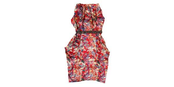 Dámské rudé saténové šaty Uttam Boutique s potiskem