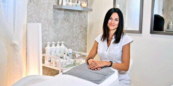 Dopolední kosmetika: péče proti akné nebo vráskám