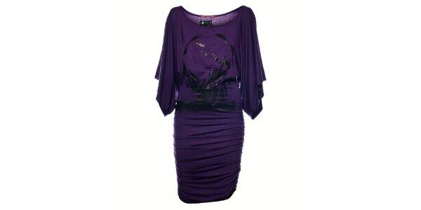 Dámské fialové šaty Pepe Jeans s černým potiskem