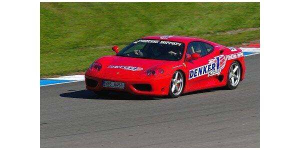 Splňte si sen! Staňte se copilotem ve Ferrari! Adrenalin za 1500 Kč!