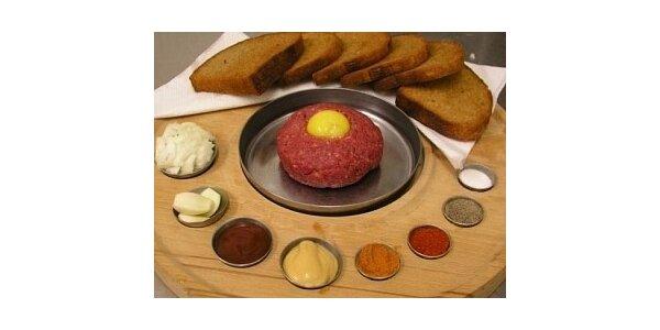 102 Kč za 100g Tatarský biftek ze svíčkové, 4 ks topinek