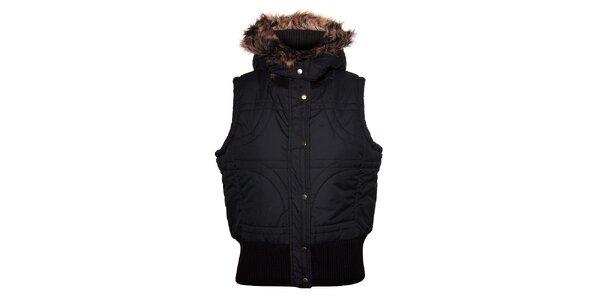 Dámská černá prošívaná vesta Trimm s kožíškem