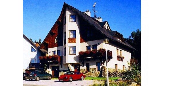 1099 Kč za lyžování v Harrachově - ubytování a skipas v ceně. Sleva 52 %.