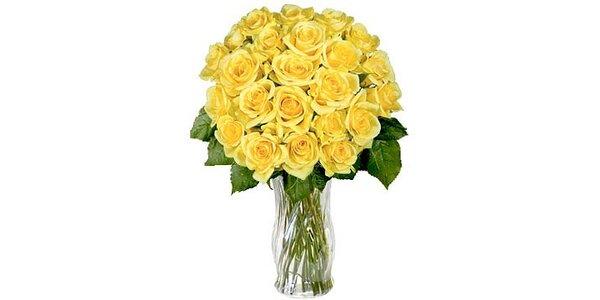 1250 Kč za kytici 30 růží s rozvozem po Praze zdarma v původní ceně 2500 Kč
