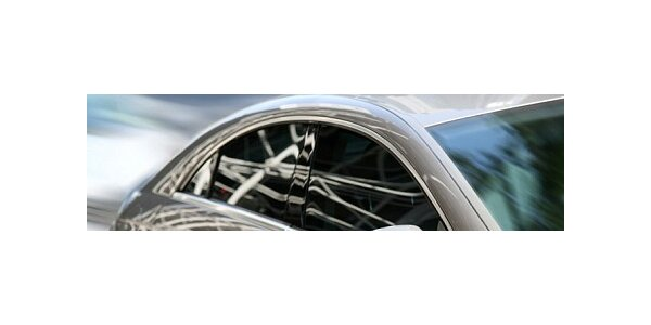 1875 Kč za montáž autofolií na automobil sedan se slevou 25%.
