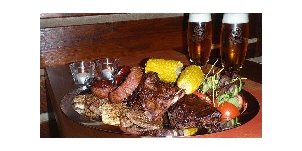 Mix grill s 12° pivem v restauraci Albion v Třemošné