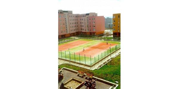 1105 Kč za tenisovou permanentku na 10h. do TC Černý Most v hodnotě 1700 Kč