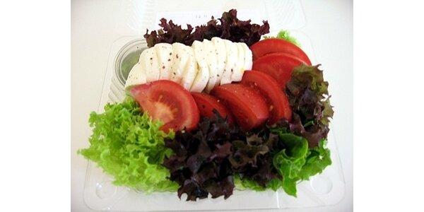 50 Kč za vynikající čerstvý zeleninový salát + 0,5l Bonaqua v hodnotě 80 Kč