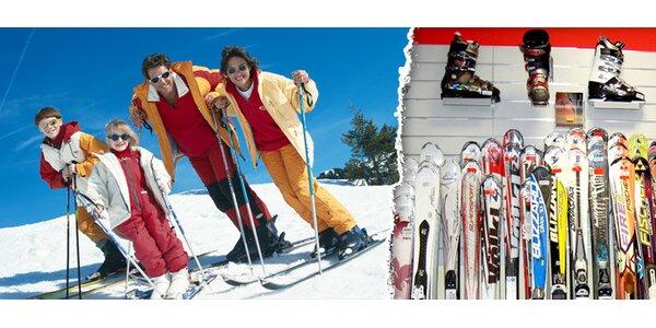Půjčení carvingových lyží včetně hůlek a lyžáků nebo snowboardu na 3 dny
