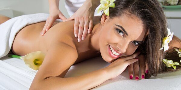 Thajská masáž a lázeň na nohy v salonu Diamond