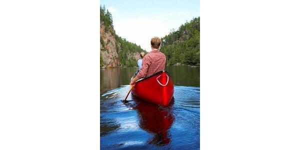 180 Kč za půjčení kanoe Vydra včetně vodáckého vybavení a dopravy lodí