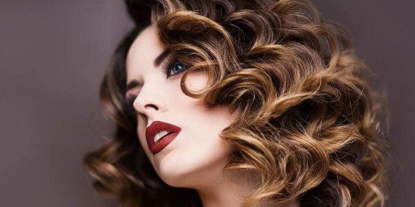Profesionální melír i střih pro polodlouhé vlasy