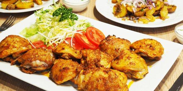 1 kg pečených kuřecích špalíčků a brambory