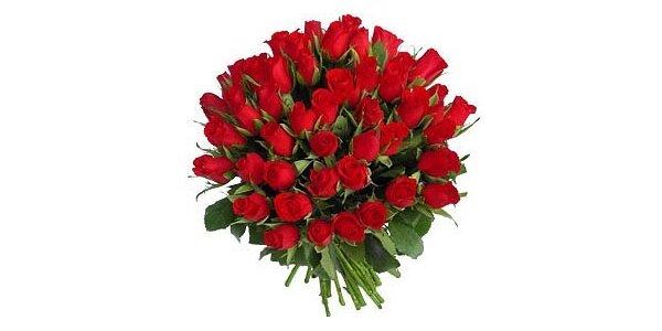 890 Kč za kytici 25 rudých růží v původní hodnotě 1790 Kč