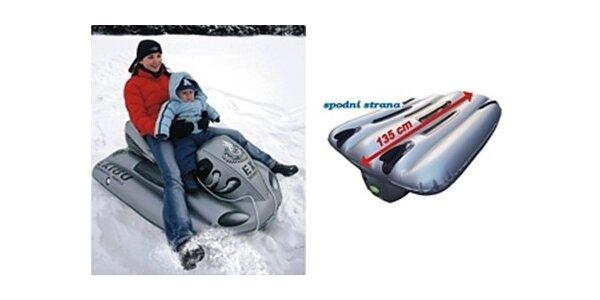 399 Kč za sněžný kluzák ve tvaru skútru v původní hodnotě 799 Kč