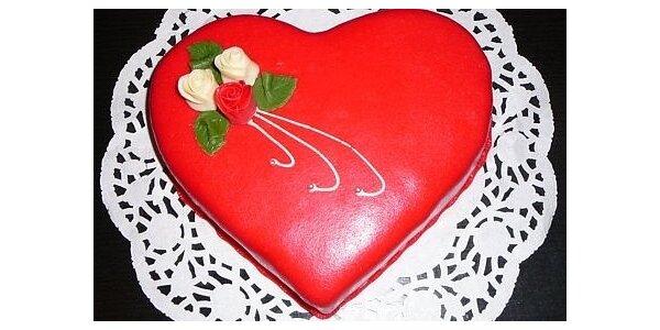 Valentýnský dort srdce, vanilkový v původní hodnotě 330 Kč