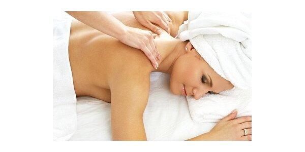 270 Kč za celotělovou regenerační masáž teplým kokosovým olejem pro ženy