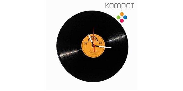 Jedinečné Retro hodiny z pravé vinylové desky v hodnotě 400 Kč