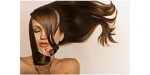 Barvení vlasů nebo melír s kompletní úpravou jen za 299 Kč v salonu DELUXE