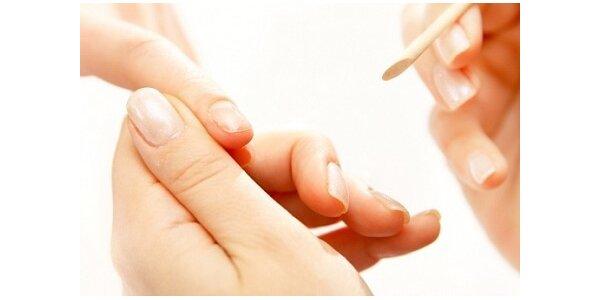 155 Kč za manikúru, nalakování Gel-lakem a masáž rukou