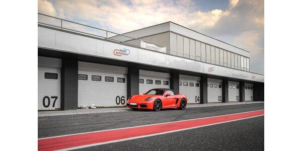 1–5 kol na závodním okruhu v Porsche 718 Cabrio