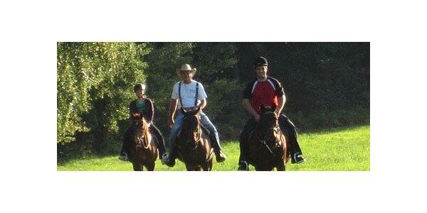 1800 Kč za 2 noci v chatce na ranči s vyjížďkami na koni v hodnotě 2400 Kč