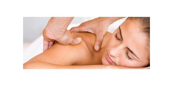 Nejúčinnější masáž těla s kokos peelingem