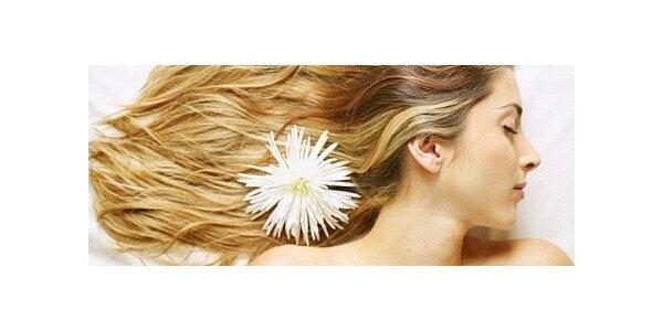 Kompletní úprava dlouhých vlasů v původní hodnotě 1250 Kč