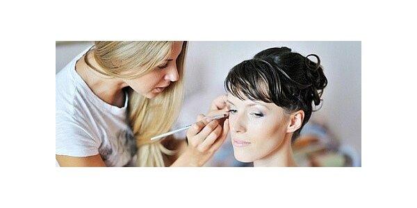 Proměna s kosmetikou a líčením pro jednu nebo dvě ženy