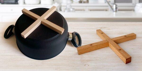 Dřevěná magnetická podložka pod hrnec