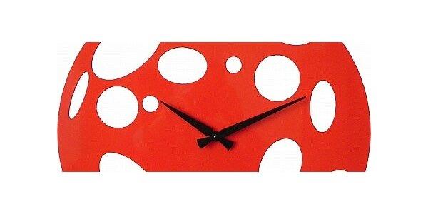 Designové kovové hodiny