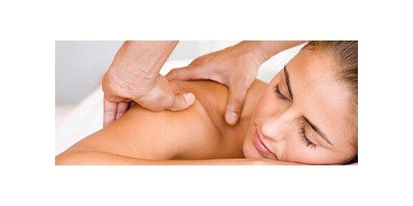 Masáž proti bolesti krční páteře, hlavy nebo zad
