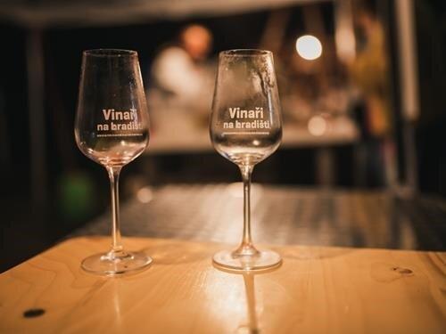 Vinaři na hradišti