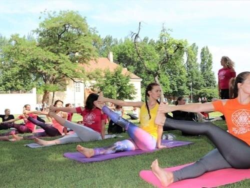 Lekce jógy zdarma v Zlatých Horách – Cvičte jógu s námi 2020