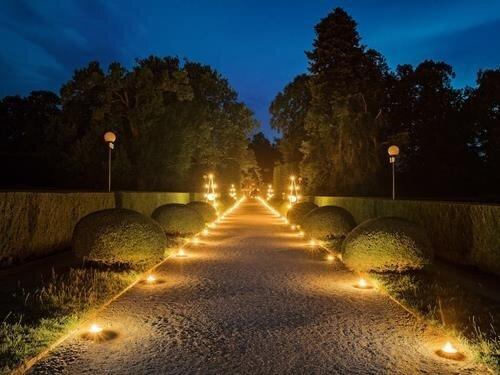 Zahajovací galavečer v zámecké zahradě