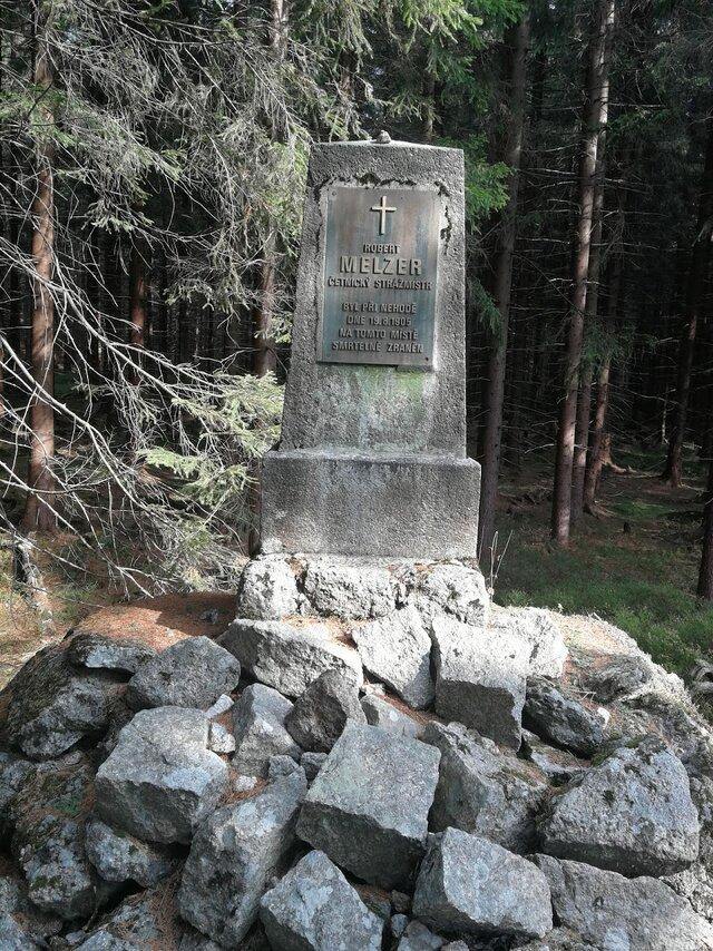 Melzerův pomník
