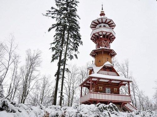 Jurkovičova rozhledna v Rožnově pod Radhoštěm – zimní a vánoční prohlídky