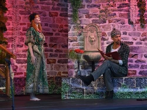 Divadlo Artur - Hodina duchů