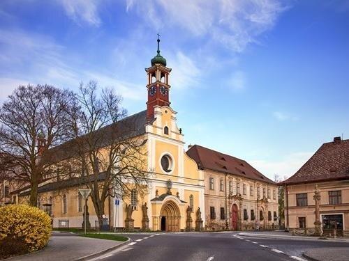 Prohlídka gotického kostela, varhan a krátký koncert na závqěr