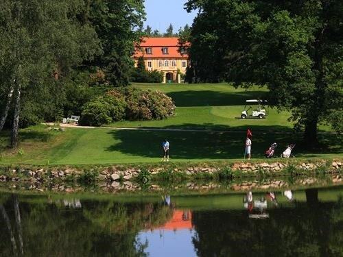 Golfová akademie na zámku Štiřín