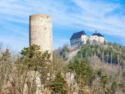 Společná vstupenka na hrady Točník a Žebrák